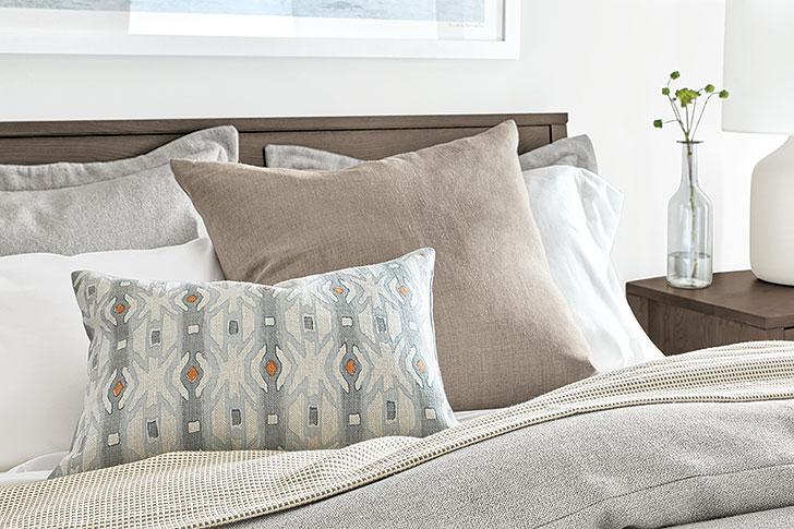 Serif accent pillows