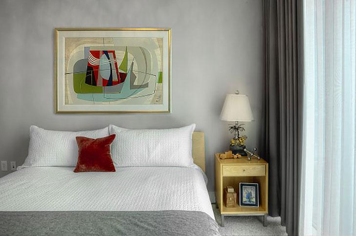 Bedroom with Copenhagen bed and Delano nightstand
