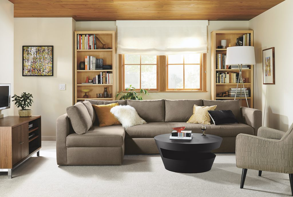 Oxford sleeper sectional with Quinn chair