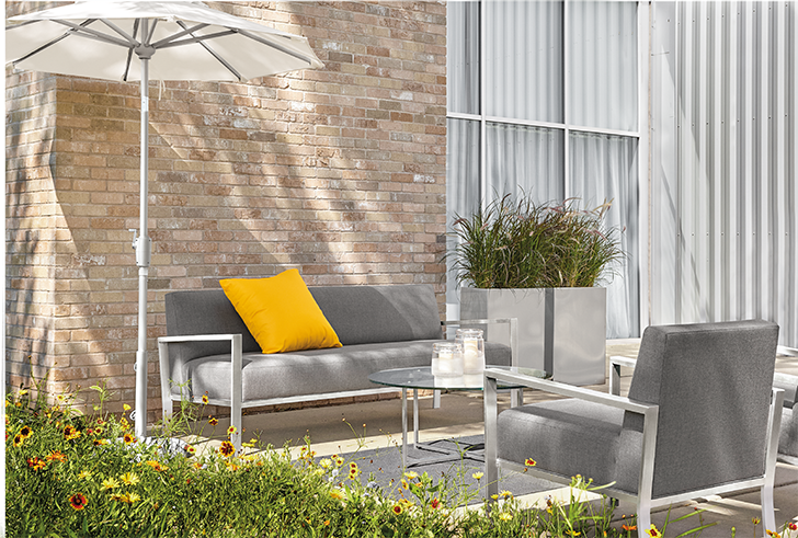 Isles outdoor sofa and chair
