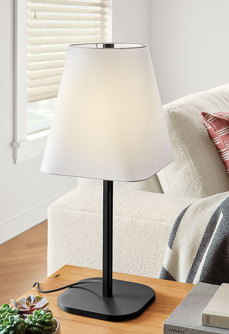 Contemporary lighting: Barlow table lamp