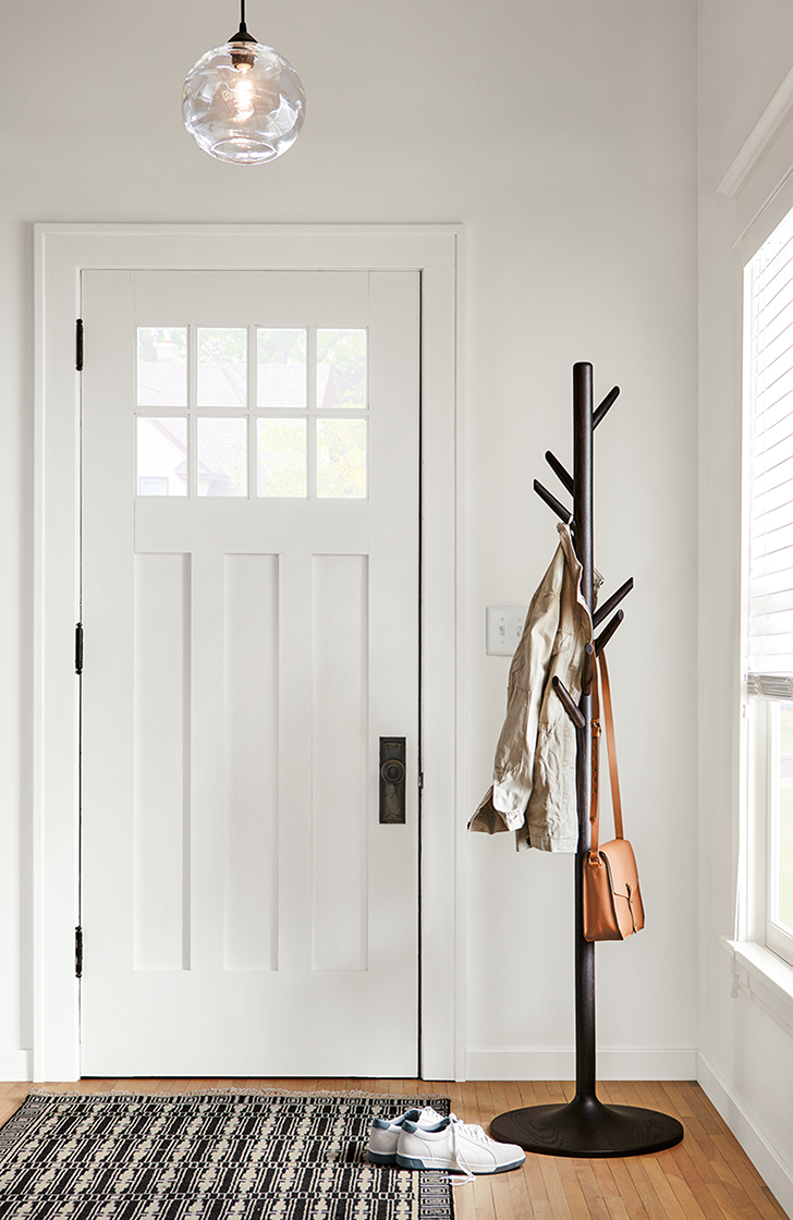 Valet coat rack in entryway