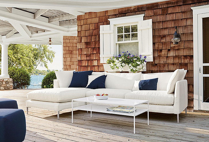 Outdoor sectional sofa and coffee table